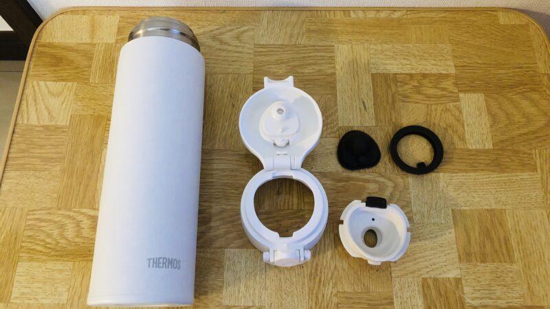JOK-500の白。つや消しっぽい表面でさわり心地も良い。すべてのパーツが食洗機対応。